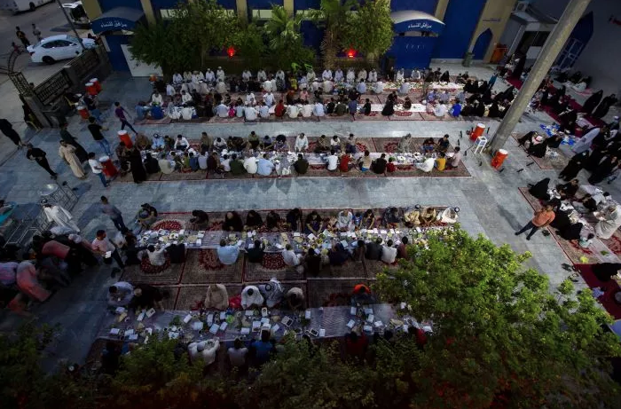Daily Iftar served by the external host complex for the visitors of Al-Abbas's (AS) Shrine